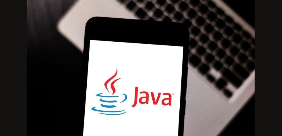 napis Java na smartfonie