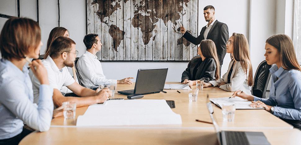 zebranie-ludzi-wdrażających-strategię