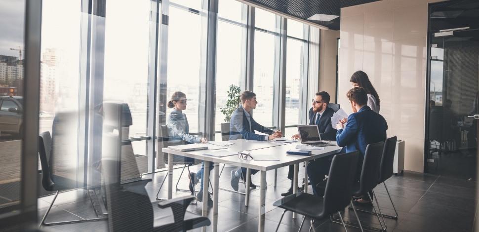 spotkanie rady biznesu w firmie b2b
